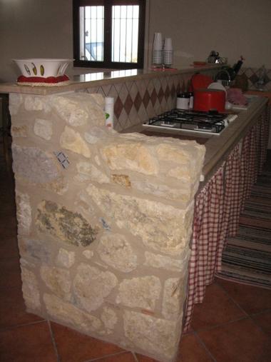 Impresa edile la porta costruzioni stile nell 39 edilizia ristrutturazioni cucine in - Cucine in pietra ...