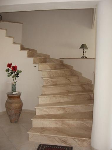Impresa edile la porta costruzioni stile nell - Scale per interni in muratura ...